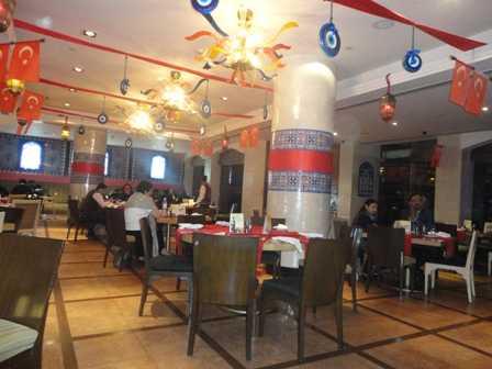 Cafe Uno at Shangri-La's Eros Hotel-fnbworld