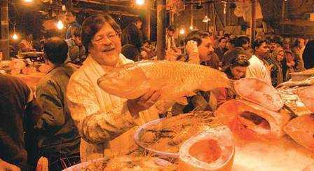 chandan mitra buying fish