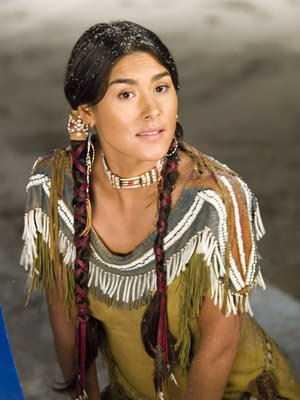 native american lady-fnbworld