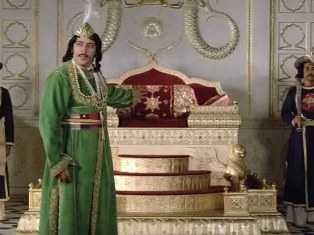 Amjad khan as wajid ali shah-fnbworld