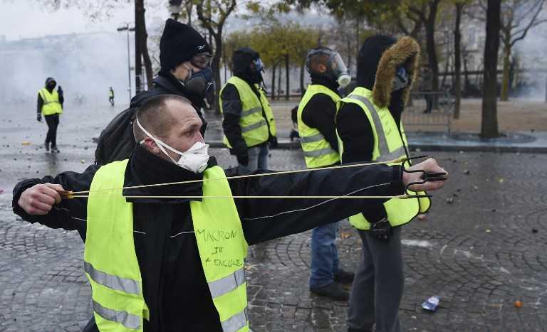 yellow vests-france in turmoil-fnbworld