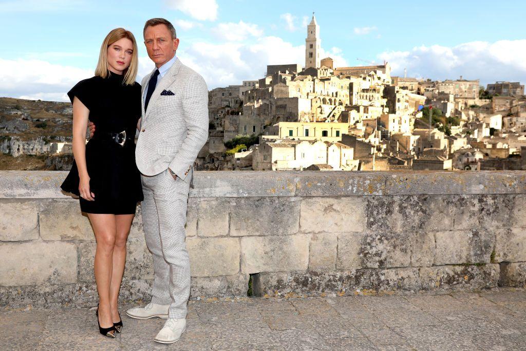 James Bond and women-fnbworld