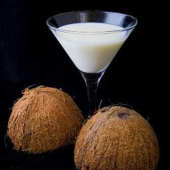 Coconut rum drink-fnbworld