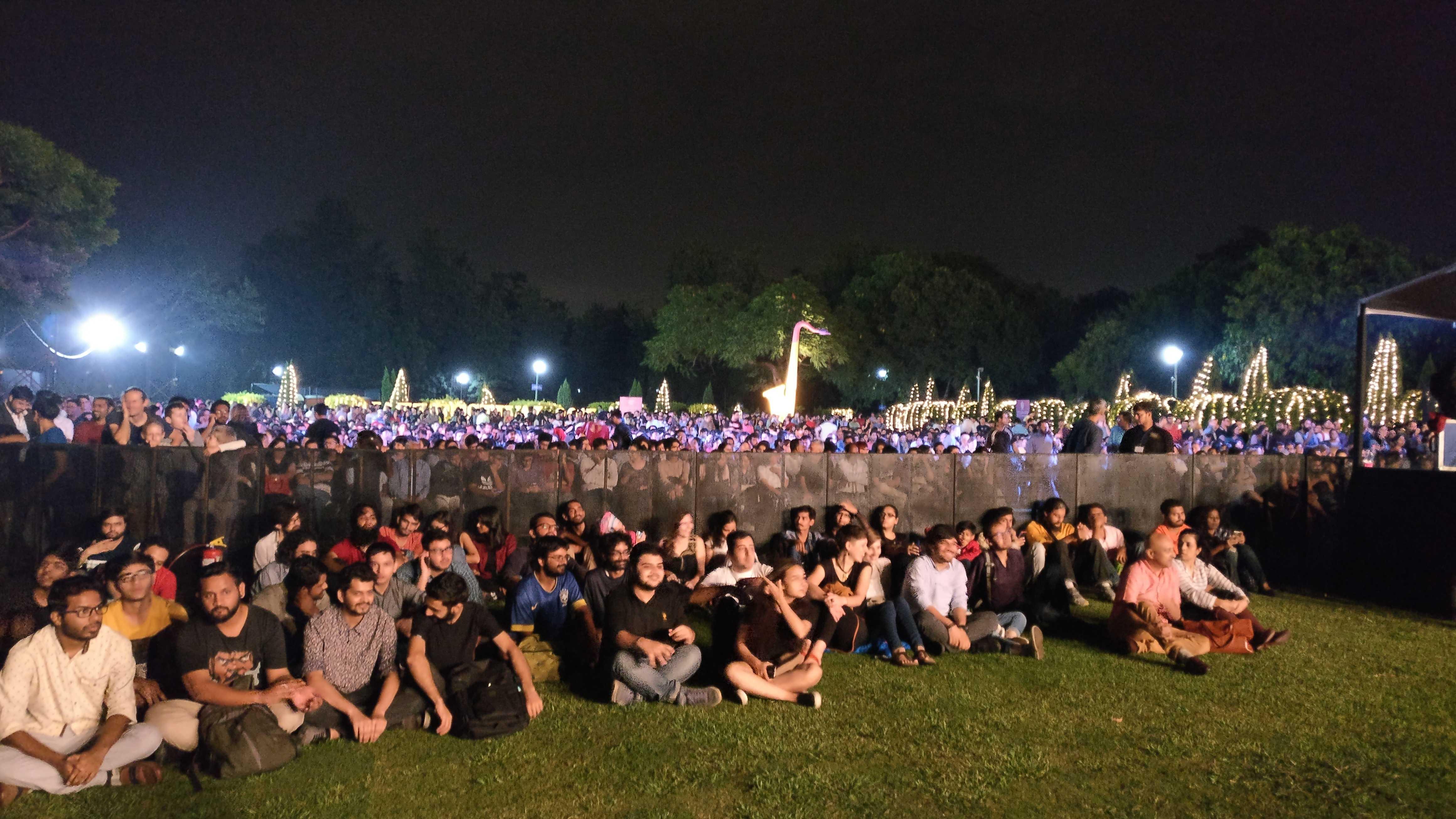 Crowded Nehru Park-fnbworld