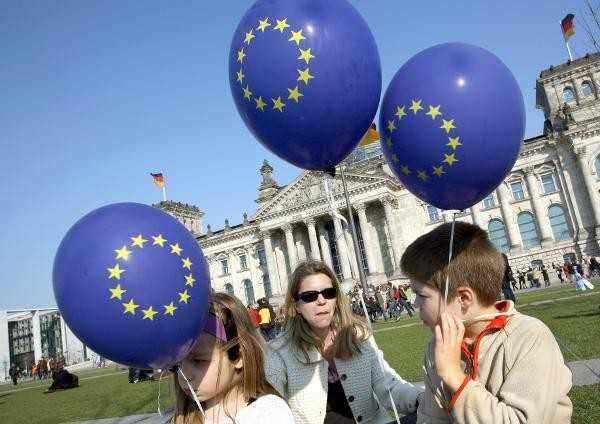 European Union balloons