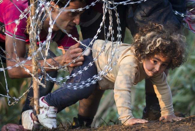 Refugees entering Europe-fnbworld