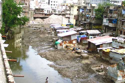 Slums in Indore-fnbworld