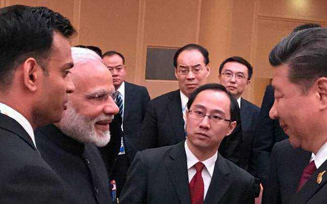 PM Modi and Xijinping-fnbworld