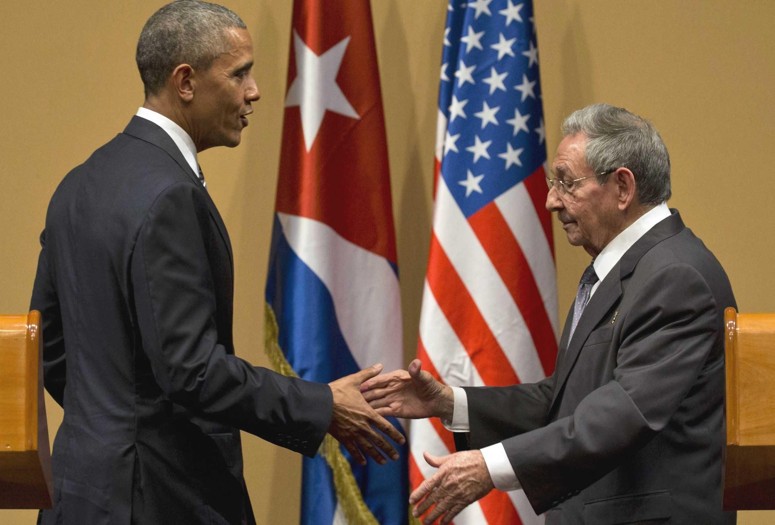 Obama and Raul Castro-fnbworld