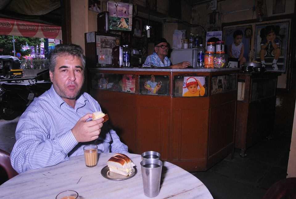 Mansoor Showghi Yezdi relishing his first love