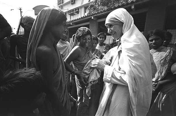 Mother Teresa in slums