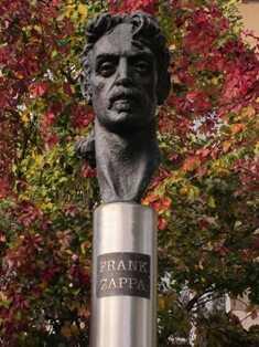 Zappa's bust-fnbworld-Ravi V Chhabra