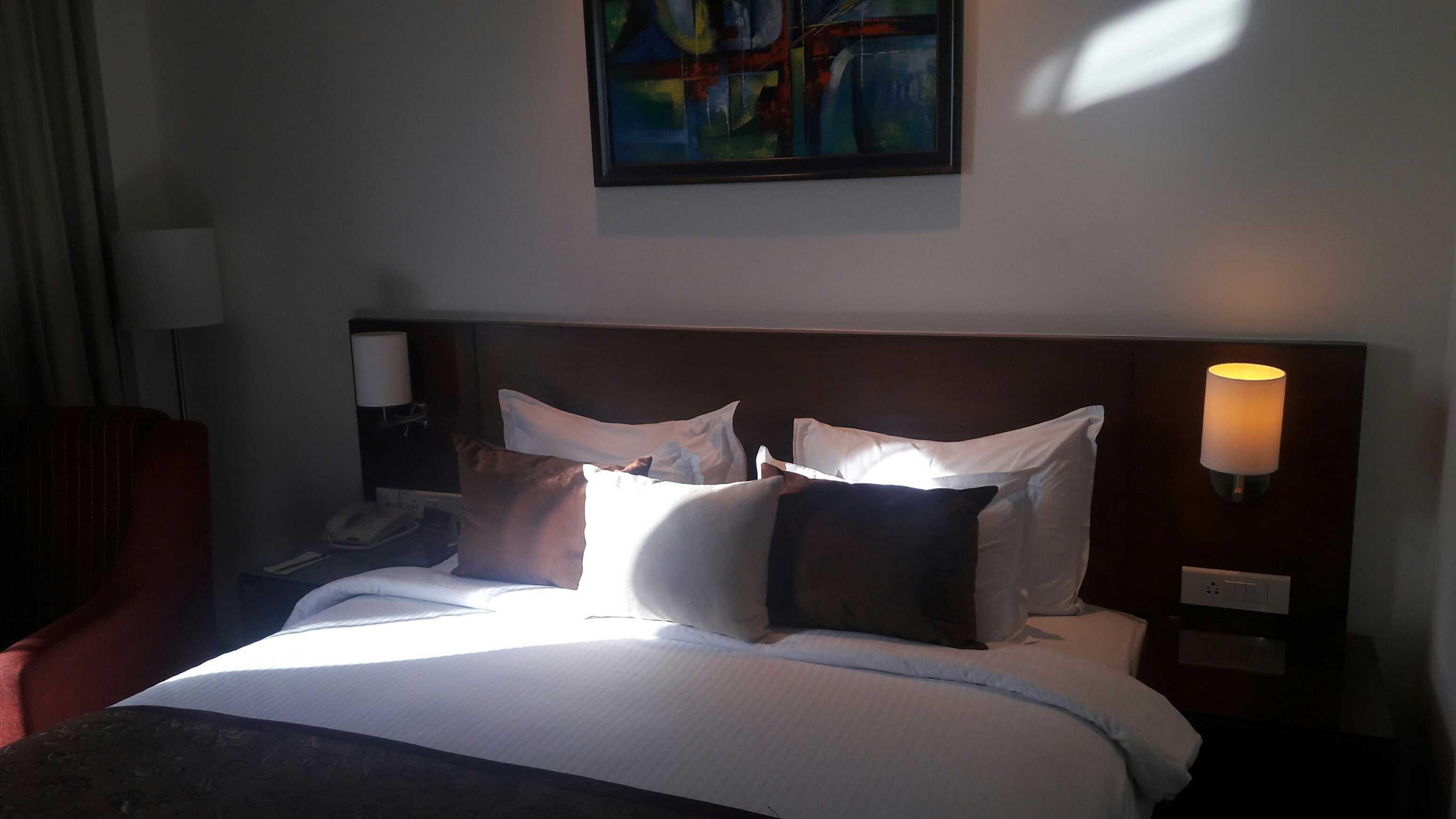 Lavish bed at hotel matigold-fnbworld