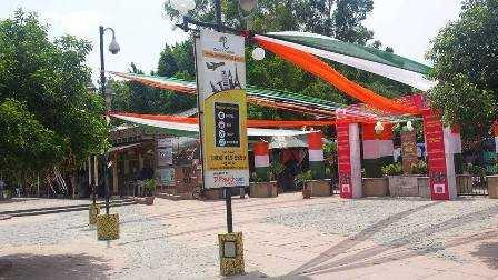 Entrance to Dilli Haat-Chaitali Aggarwal-fnbworld