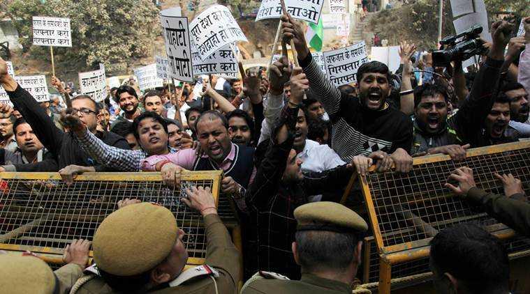 Protests in JNU-fnbworld