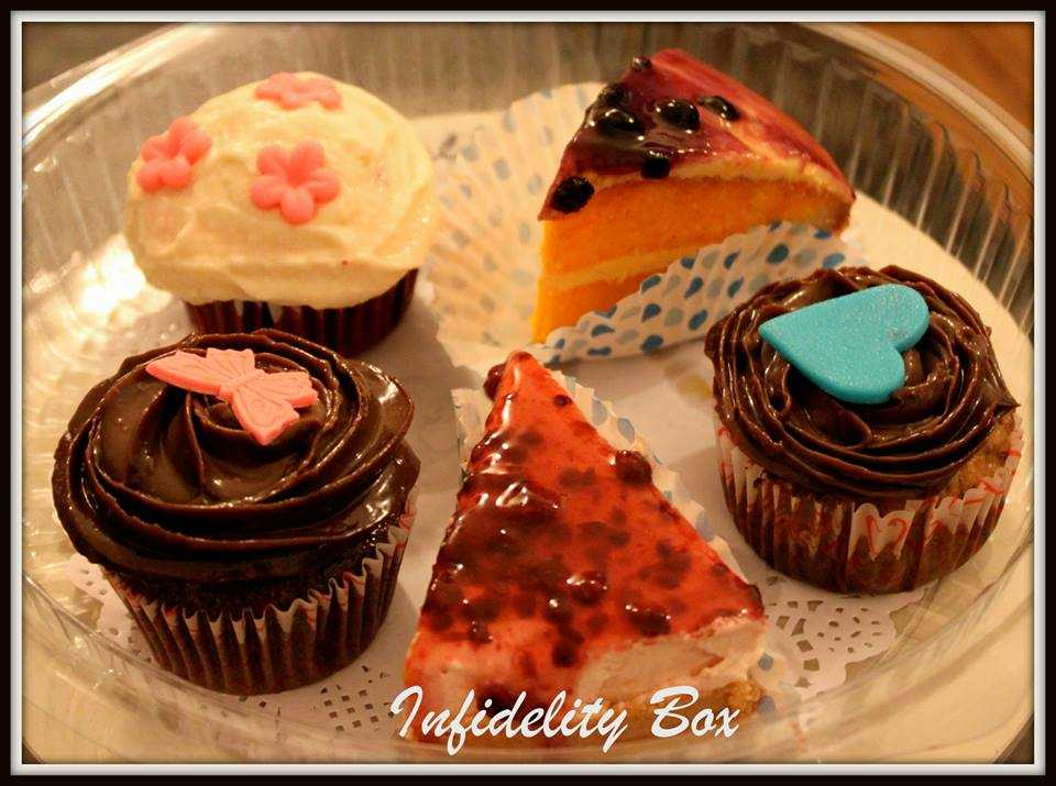 An assorted cupcakes box