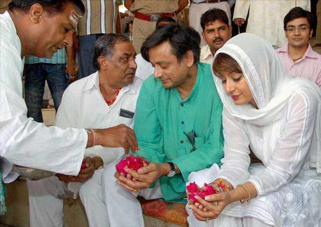 Shashi Tharoor-Sunanda Pushkar-fnbworld